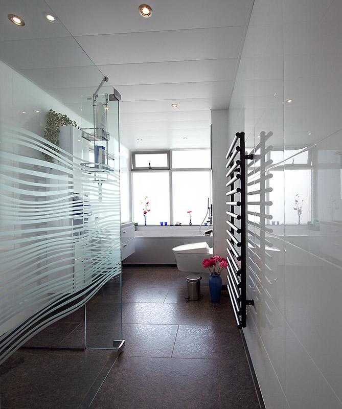 Badkamer installatie en renovatie - Loodgietersbedrijf P. Plat